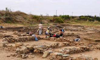 Trovate due statuette femminili datate al V e al IV secolo a.C. al sito archeologico etrusco di Gravisca