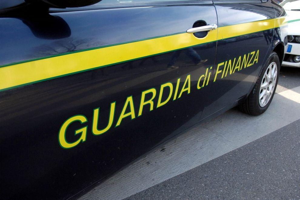 Una pattuglia della GdF di Anzio salva una ragazza 30enne intenta a suicidarsi