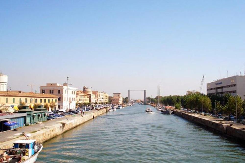 """Montino: """"200 mila euro per la rimozione dei rifiuti del Tevere dalle spiagge grazie a un emendamento di Michela Califano"""""""