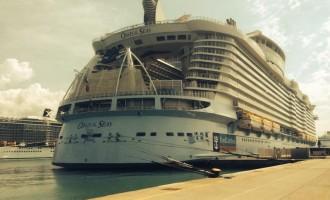 Civitavecchia accoglie Oasis of the Seas al suo primo scalo in Italia