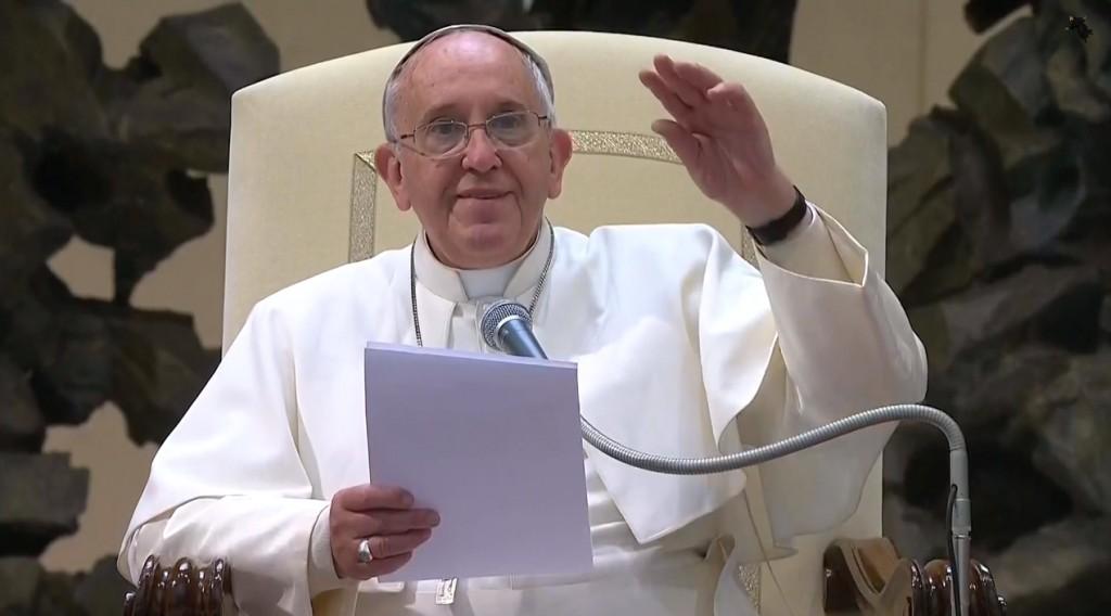 """Papa Francesco regala ad Erdogan un """"angelo contro la guerra"""""""