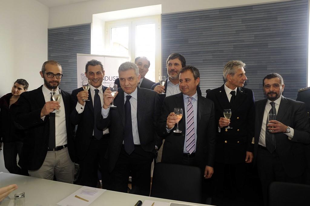 Monti inaugura la sede di Unindustria: 'nuova opportunità di sviluppo per il porto di Civitavecchia'