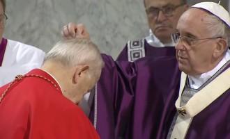 Quaresima: Papa Francesco, un dono per i fedeli distribuito dai senzatetto