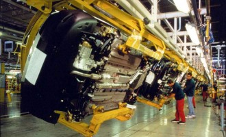 Istat, export traina l'economia nazionale, crolla la produzione industriale