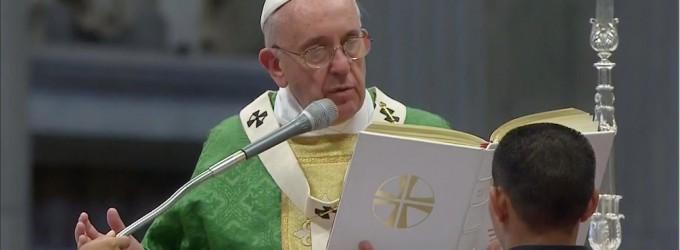 """Papa Francesco: """"vedo Gesù nei volti dei bambini, in Terrasanta possano coesistere due Stati"""""""
