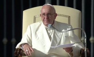 """Udienza di Papa Francesco: """"si può essere santi tutti i giorni con il cuore rivolto a Dio"""""""