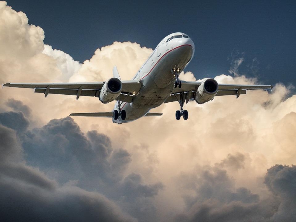 Coronavirus: sospesi tutti i collegamenti aerei tra Italia e Cina