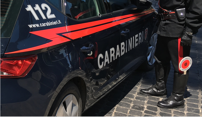 Civitavecchia, movida arrestato dai Carabinieri un pusher di hashish e cocaina