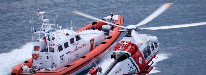 Ragazzo disperso in mare a Fiumicino in corso le ricerche della Guardia Costiera