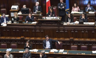 Il malumore degli italiani per il nuovo governo dopo la bocciatura della riforma costituzionale