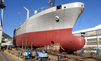 """Marina Militare: varato il troncone di nave """"Vulcano"""""""