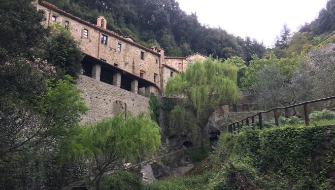 Riscoprendo la vita di San Francesco, viaggio nell'Eremo Le Celle