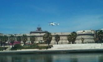 Civitavecchia, spettacolo in cielo elicottero atterra al Forte Michelangelo