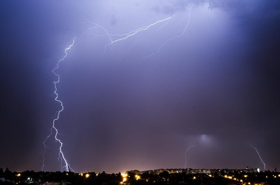 Violento nubifragio ieri sera su Roma oggi la situazione è rientrata nella normalità riaperta la metro