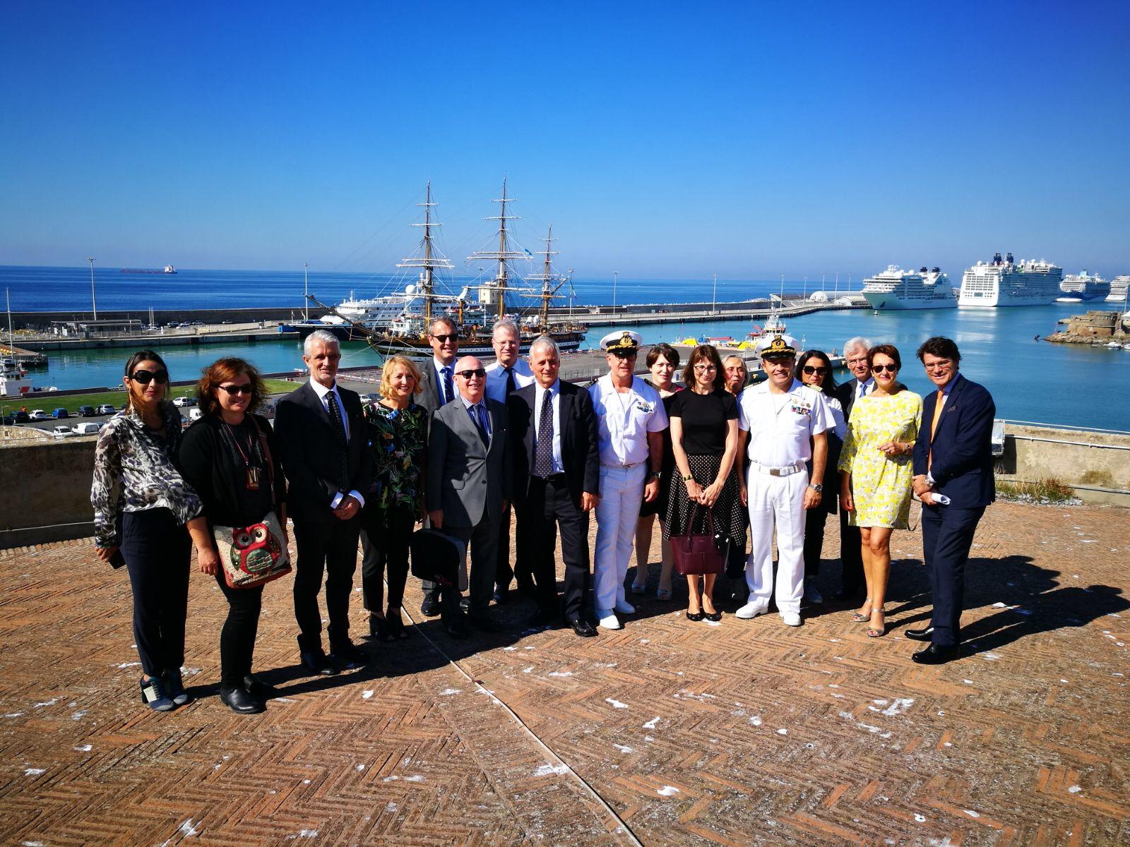 La delegazione del tribunale francese di Laval visita il porto di Traiano