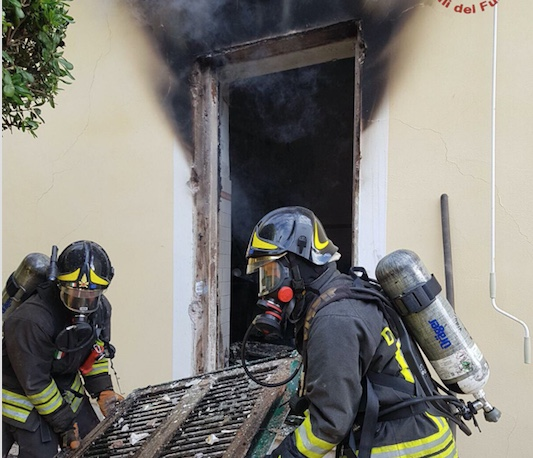 Incendio questa mattina ad una villa di Santa Marinella