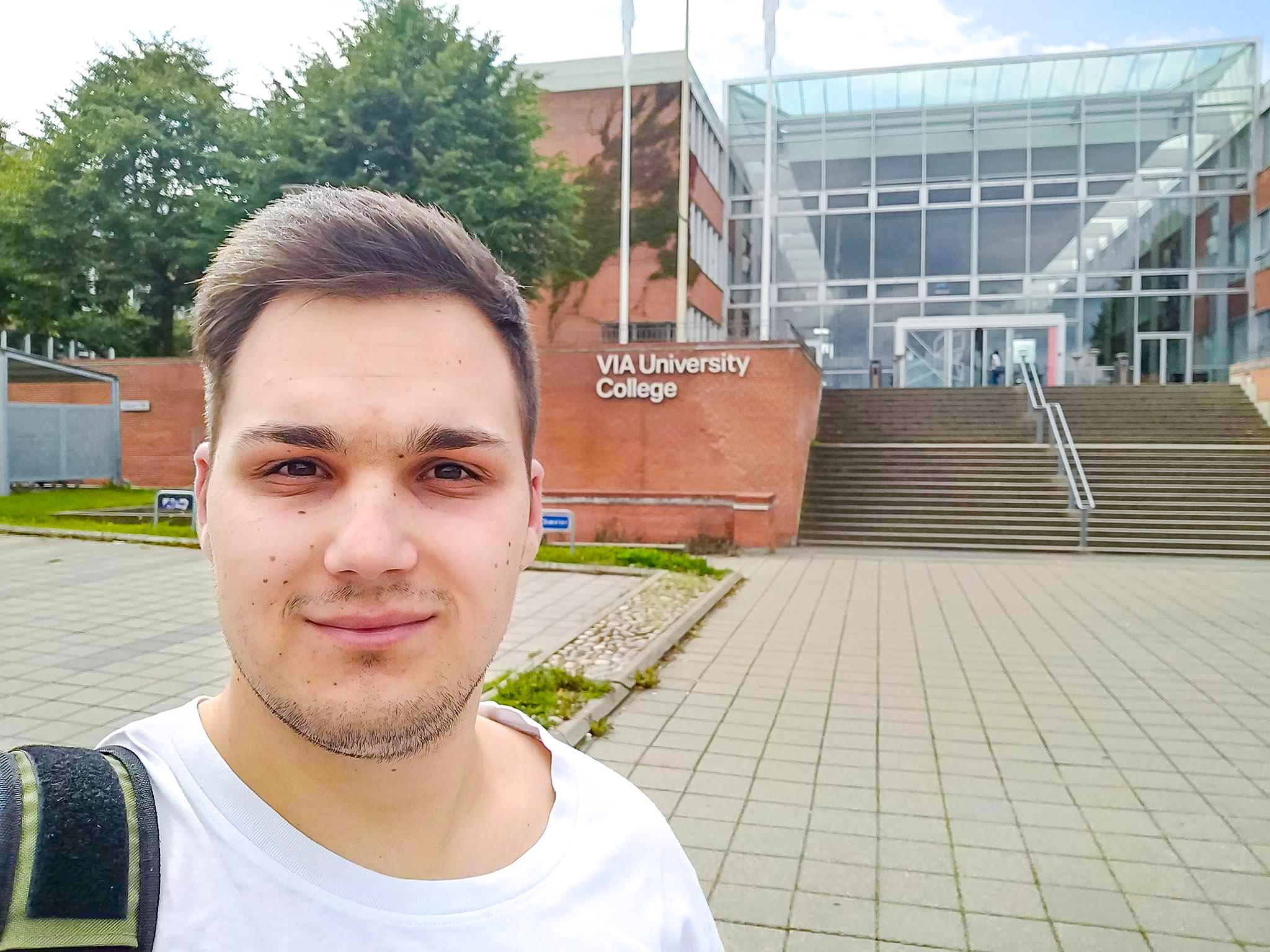 Lasciare l'Italia per studiare in Danimarca dove non si pagano le tasse universitarie e la disoccupazione è minima la bella storia di Luca Milani