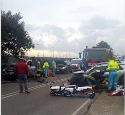 Civitavecchia, incidente stradale all'altezza del porticciolo Riva di Traiano tre i feriti