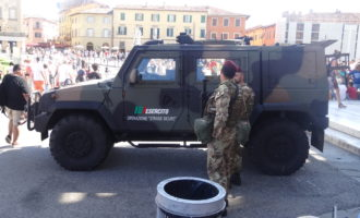Innamorato violento arrestato dai Carabinieri e dai militari dell'Esercito