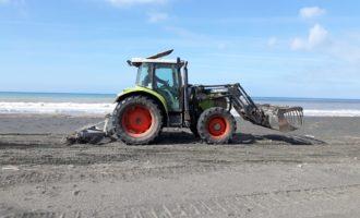 A Tarquinia Lido si prepera la stagione balneare al via la pulizia delle spiagge