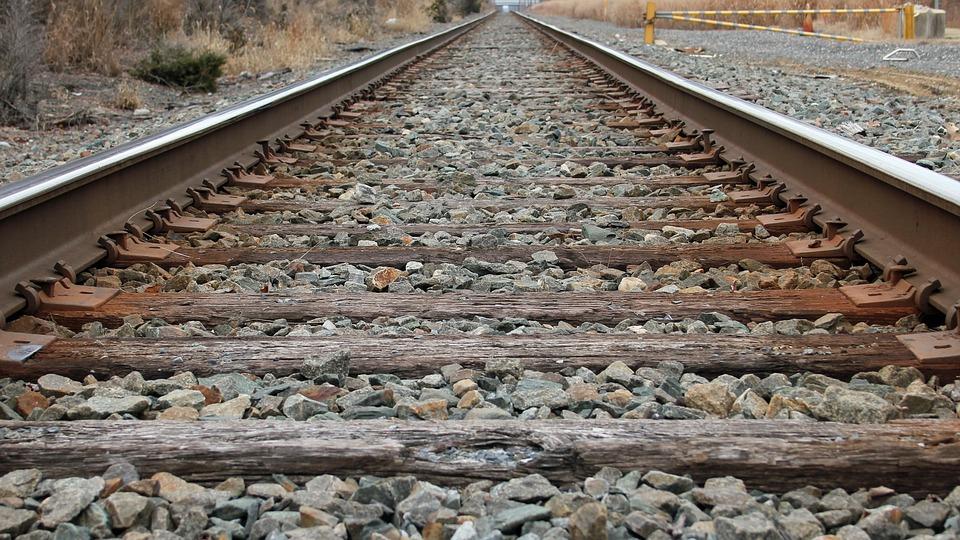 Tragedia nei pressi della stazione di Santa Severa una persona investita da un treno