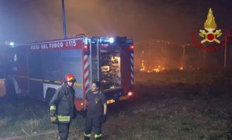Santa Marinella, grande incendio alla Quartaccia intervengono prontamente i VVF di Civitavecchia