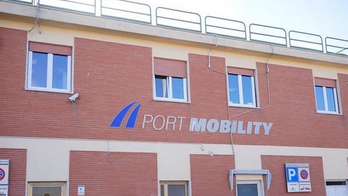 Porto di Civitavecchia, Port Mobility contro la revoca del navettamento