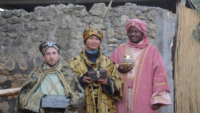 Il corteo dei re magi incanta Tarquinia