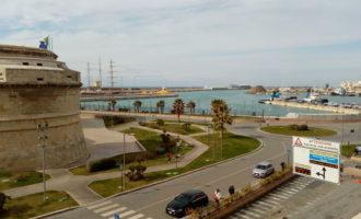 Porto di Civitavecchia, presentato in regione un ordine del giorno per ridurre il fumo delle navi