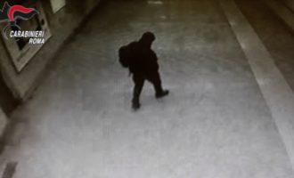 """Arrestato  """"Joe cappuccio"""" il rapinatore della metropolitana"""