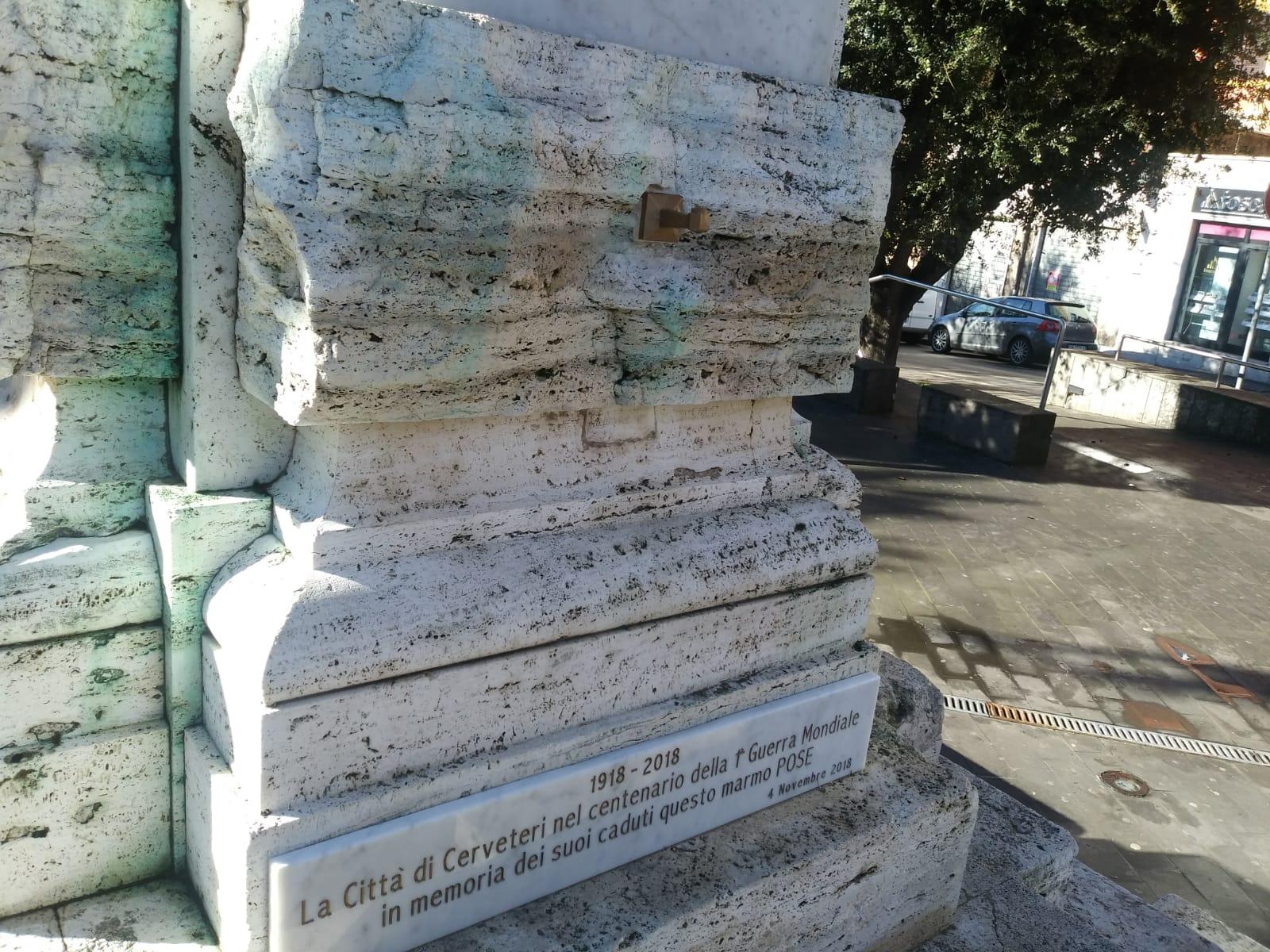 Cerveteri, atto vandalico al Monumento ai Caduti portata via la luce perpetua del Centenario