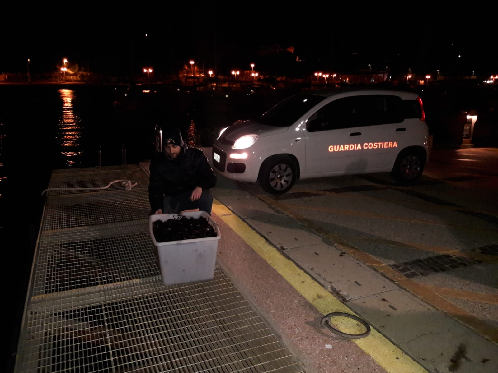 La Guardia Costiera di Santa Marinella sequestra più di 1000 esemplari di ricci di mare