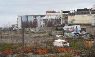 Fiumicino, discarica in via del Faro ordinata la pulizia e lo sgombero dei rifiuti