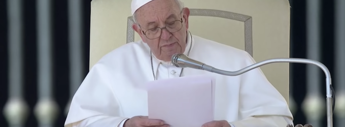 """Papa Francesco, """"Dio non è con la violenza, il suo stile è la mitezza"""""""