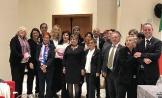 Donne in Rosa alla Camera per la presentazione della canzone contro la malattia