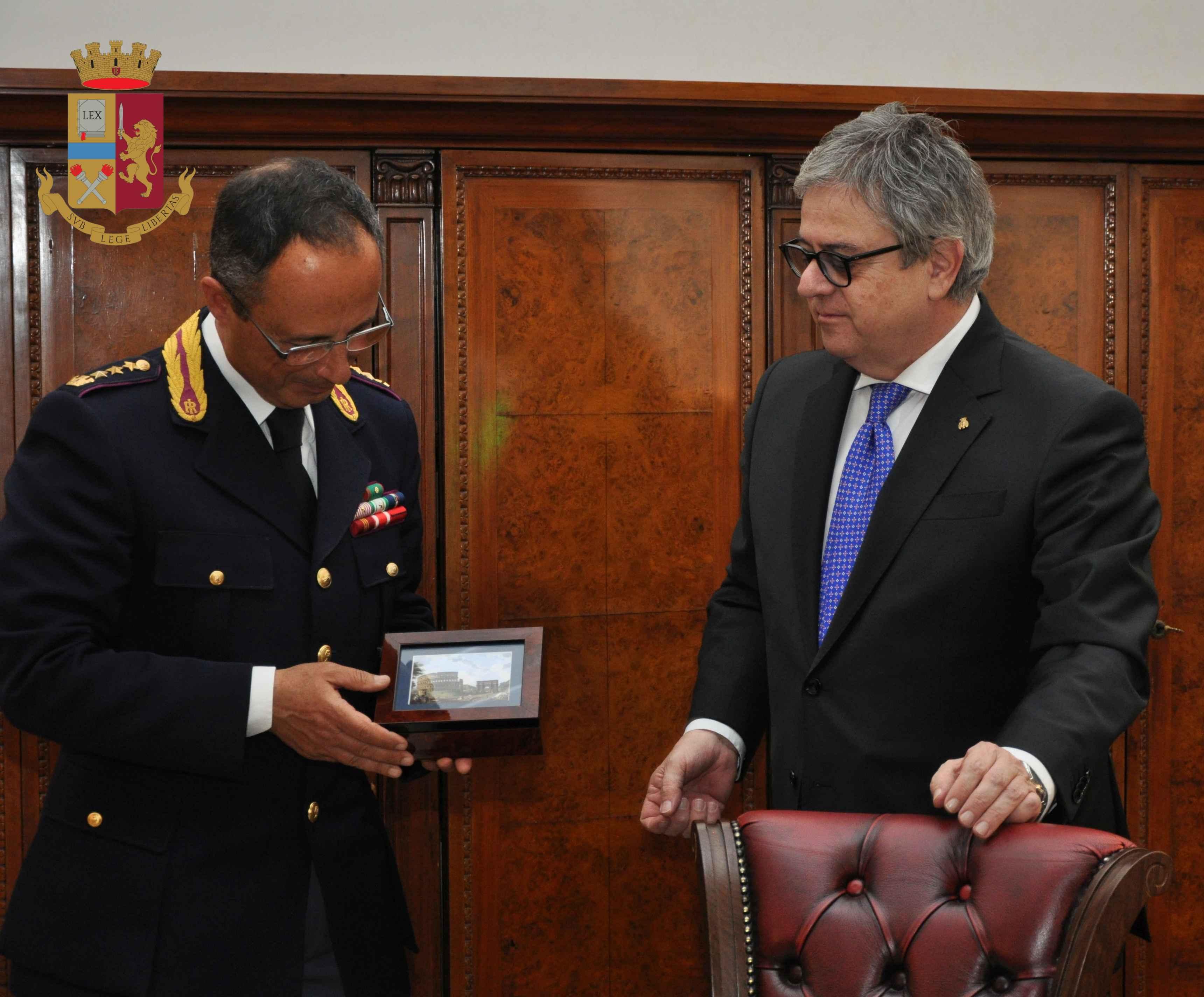 Il Questore di Roma ha ringraziato il dirigente Regna per il prezioso contributo e dedizione alla Polizia di Stato