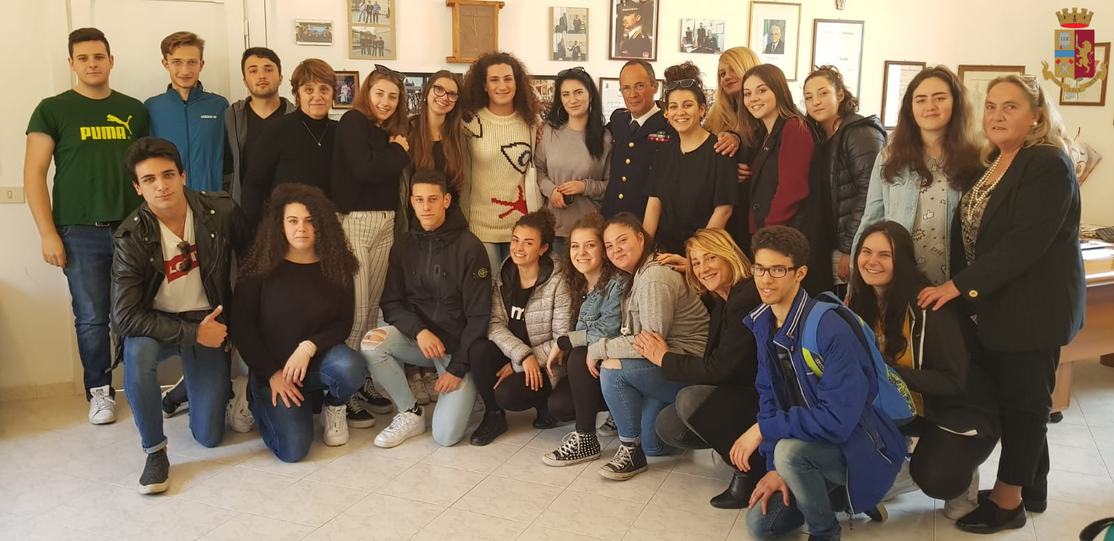 """I ragazzi dell'Istituto d'Istruzione Superiore """"Stendhal"""" ospiti del Commissariato di Polizia di Civitavecchia"""
