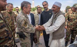 """Afghanistan: Comandante della Missione NATO """"Resolute Support"""" a Herat"""