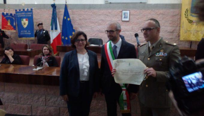 Conferita la cittadinanza onoraria al 7° e 11° reggimento dal Sindaco di Civitavecchia alla presenza del Ministro della Difesa