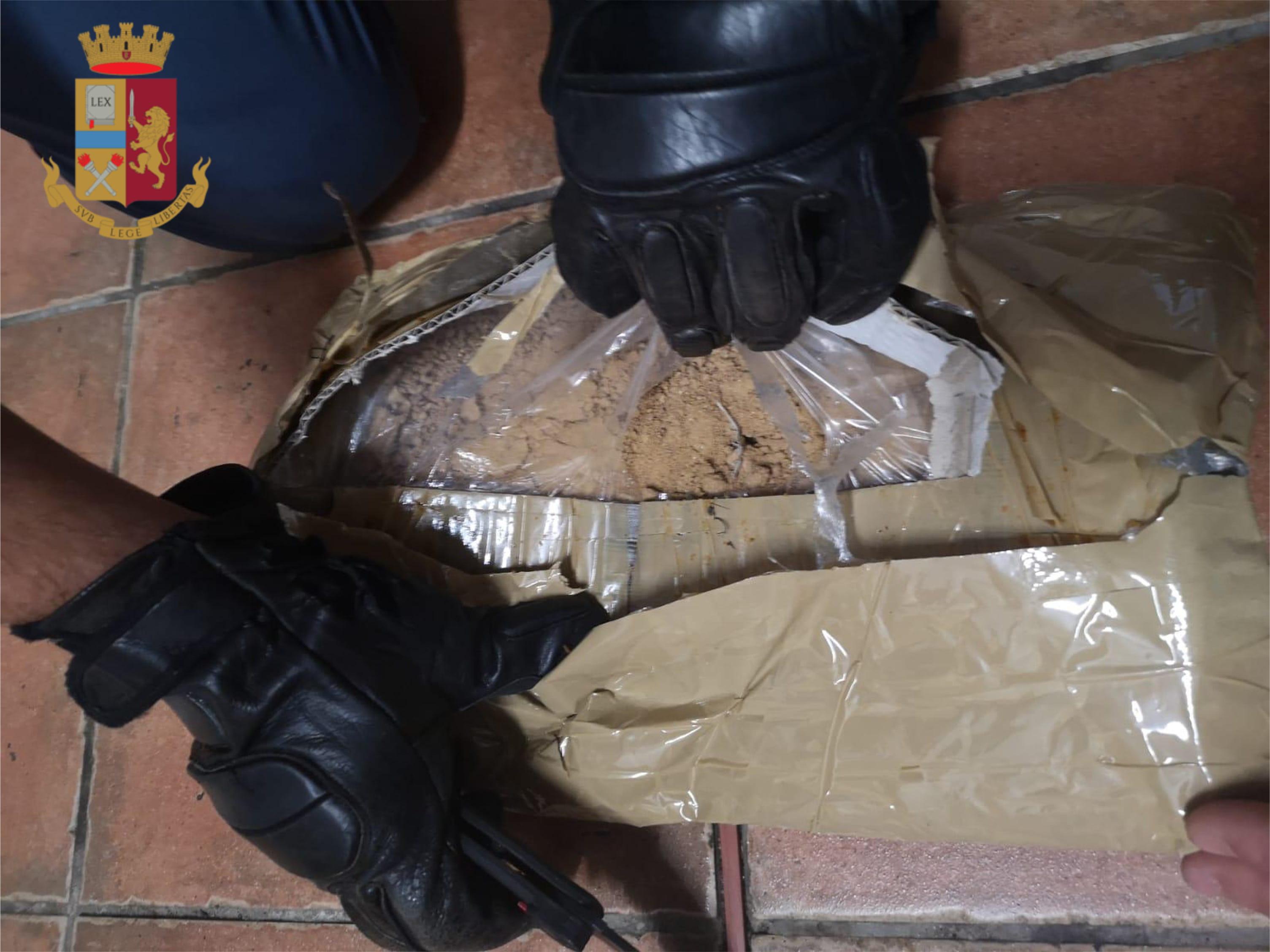 """""""Operazione sorriso"""" sgominata dalla Polizia di Stato una famiglia dedita allo spaccio tra Civitavecchia, Fiuggi e i Castelli Romani"""