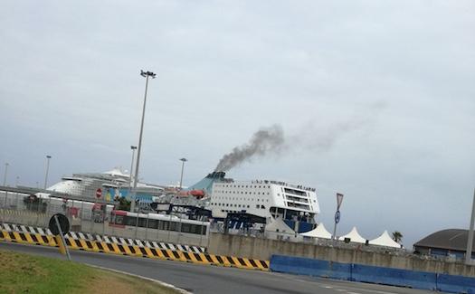 Porto di Civitavecchia: il PD presenta una mozione contro i fumi delle navi