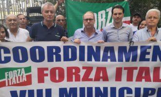 Flash di Forza Italia Roma contro la centrale elettrica di piazza Lante