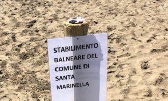 """Santa Marinella, critiche del """"Paese che vorrei"""" all'amministrazione per la gestione della spiaggia vicino all'edificio dell'ex colonia"""
