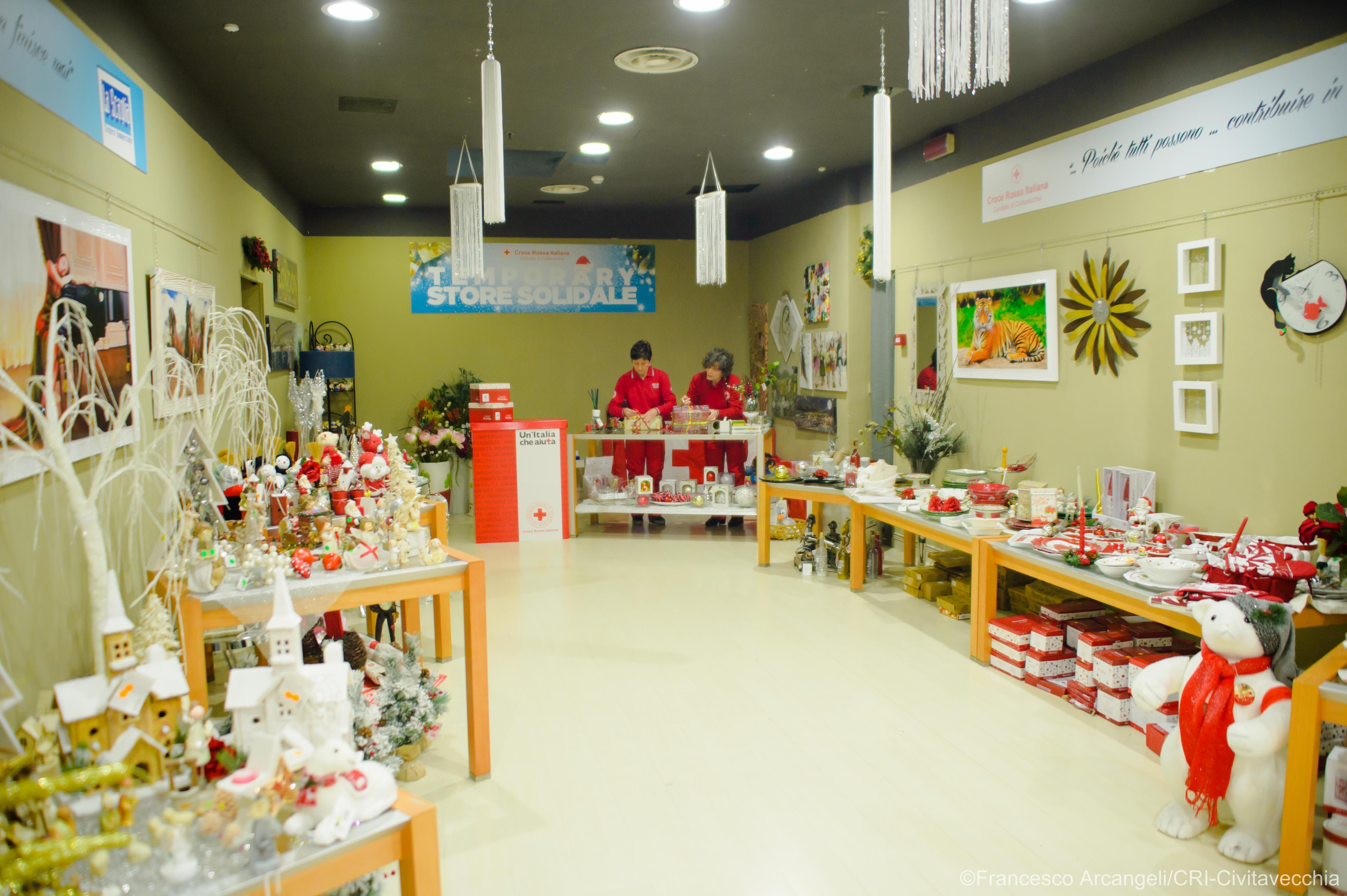 Torna il Temporary Store Solidale Croce Rossa Italiana al Centro Commerciale La Scaglia