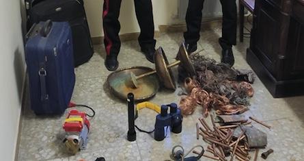 Tolfa, 2 giovani trovati in possesso di attrezzi da lavoro rubati e 30 kg di rame