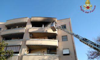 Civitavecchia, va a fuoco un appartamento tempestivo intervento dei VVF