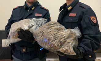Trastevere, sequestrati 3 kg e 200 grammi di marijuana nel corso di servizi di controllo straordinari della Polizia di Stato