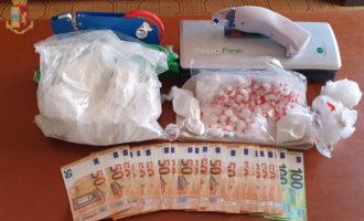 Lotta allo spaccio nella capitale sequestrate migliaia di dosi di marjuana e  cocaina