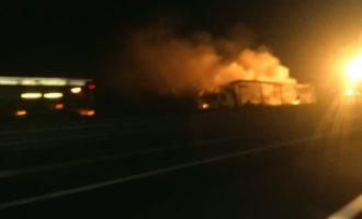 Cerveteri/Ladispoli, tir in fiamme sull'A12