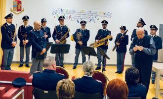 Civitavecchia, un'esibizione del quintetto della Banda della Polizia di Stato per allietare un freddo pomeriggio di Febbraio